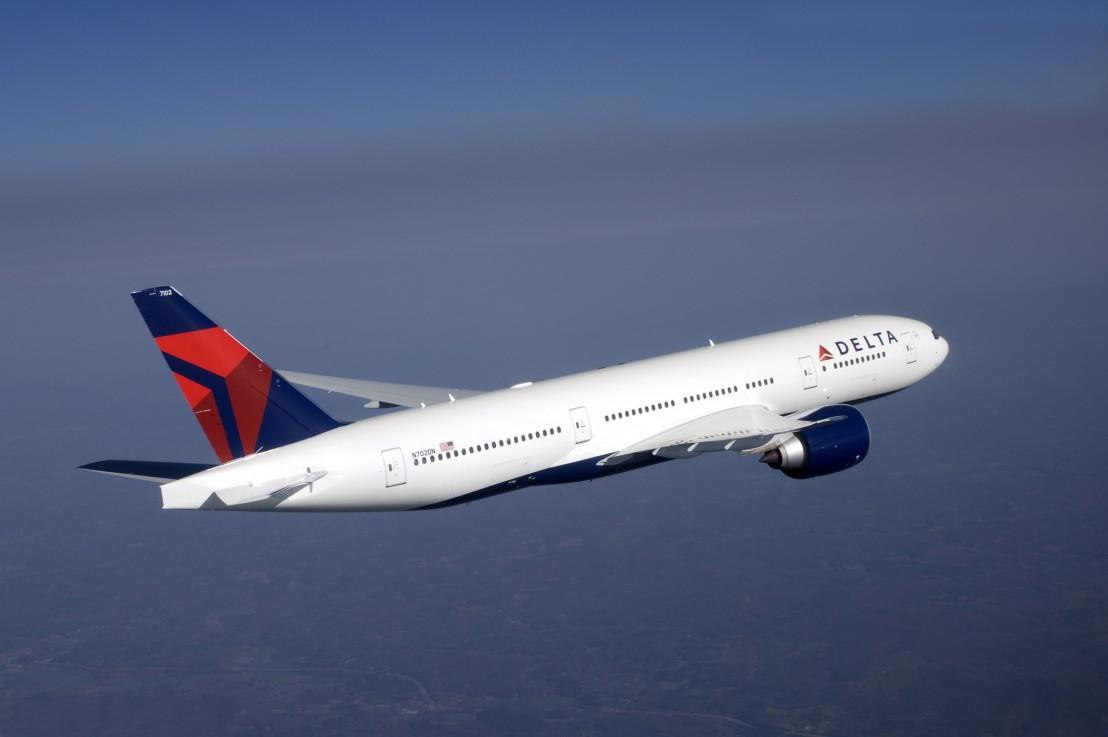 Delta Air Lines Boeing 777-200LR in flight