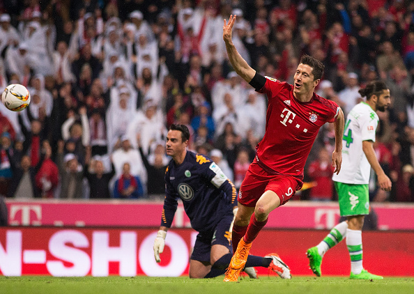 байерн мюнхен,волфсбург,пет гола,рекорд,роберт левандовски