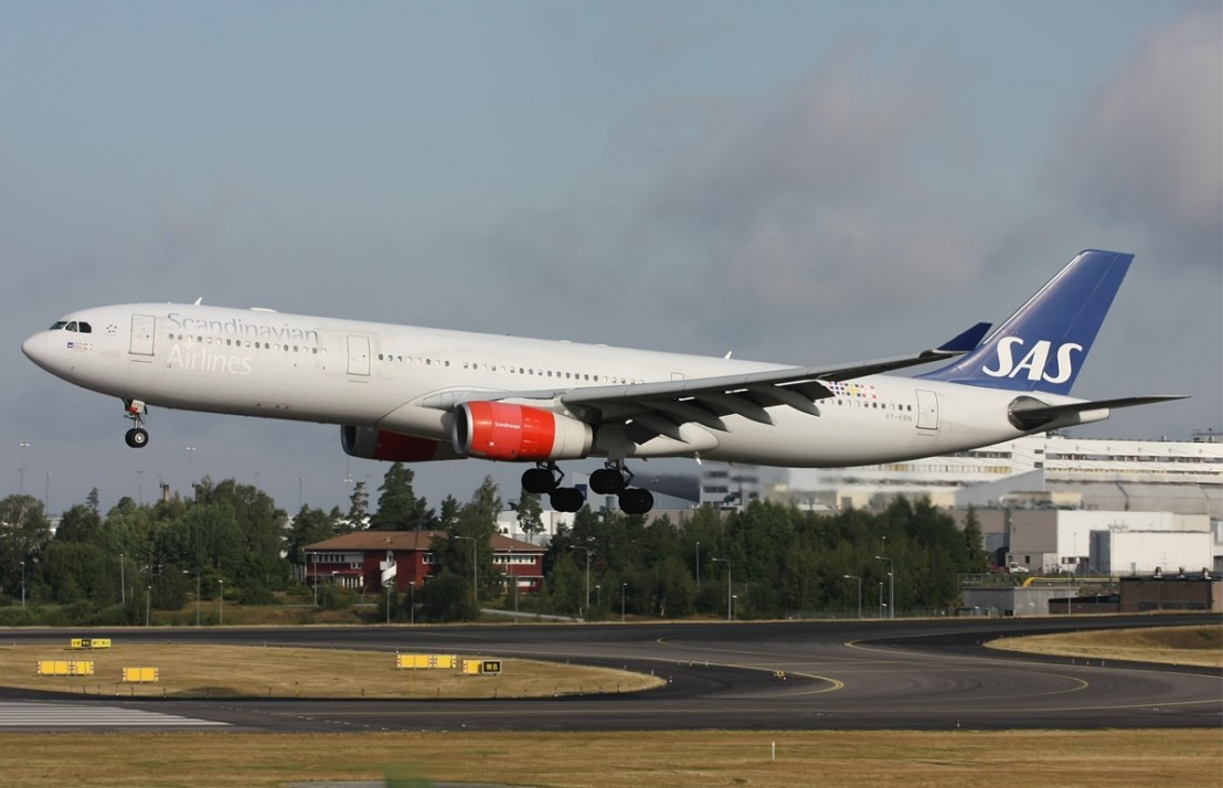 sas-scandinavian-airlines-airbus-a330-343