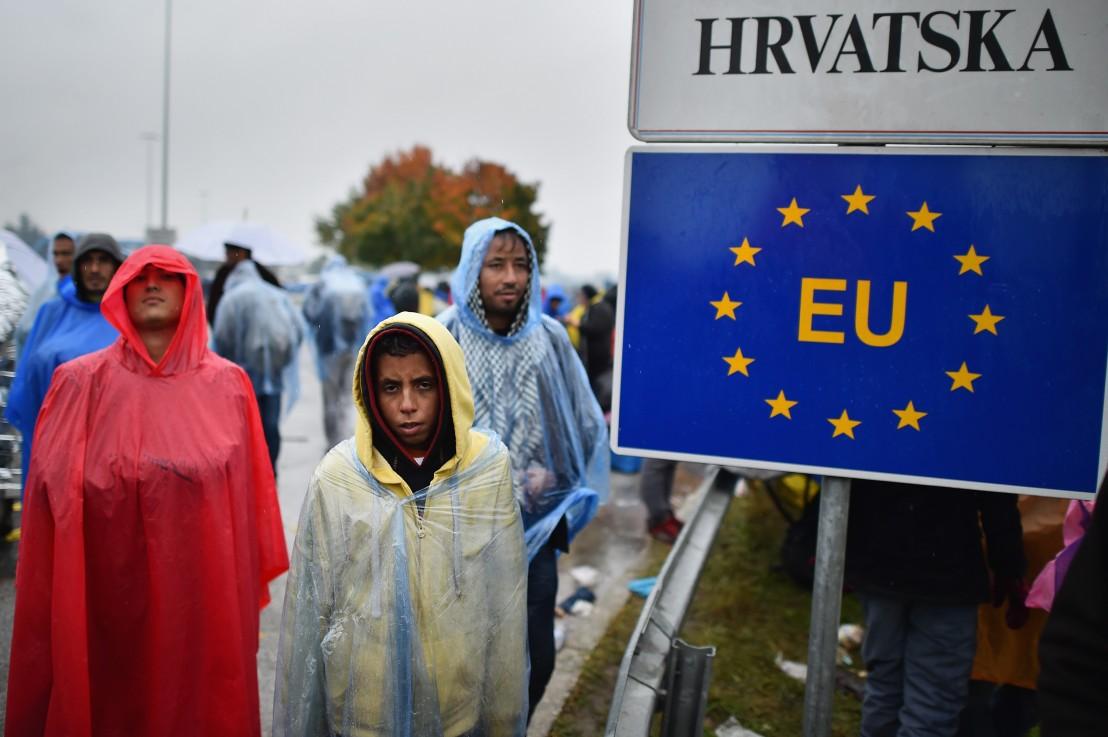 Мигрантска криза, словения, хърватия, бежанци