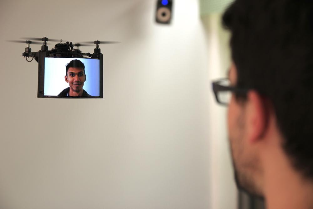 дрон, технологии