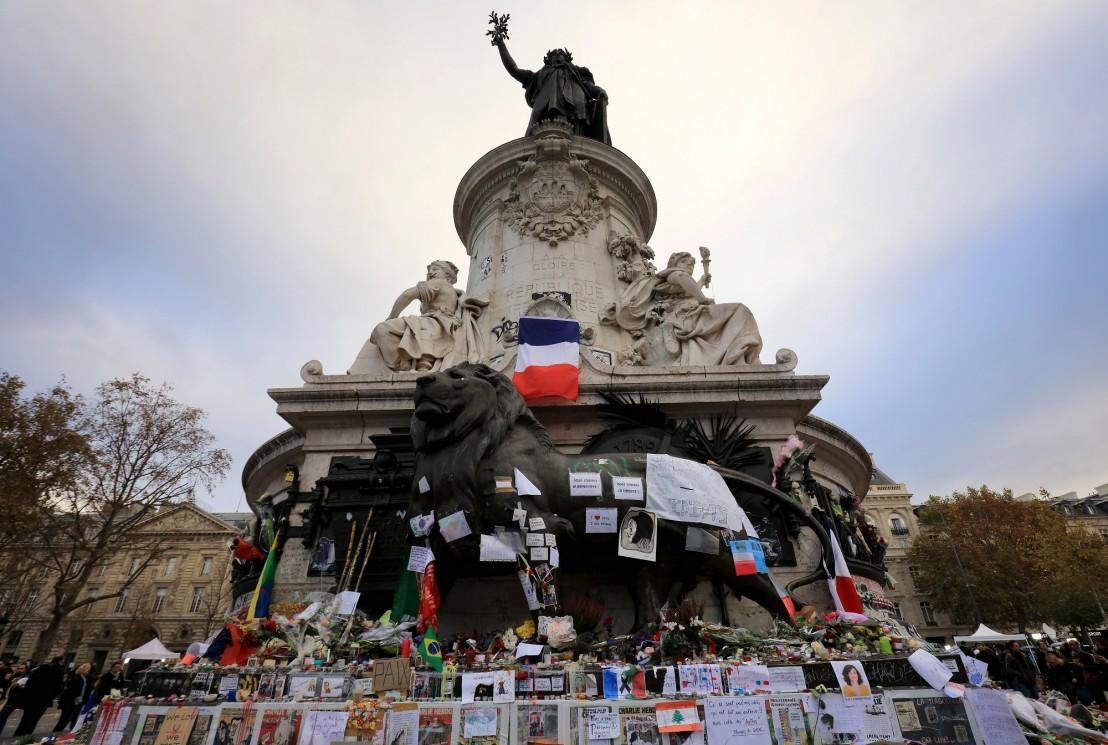 минута мълчание в париж, след атентатите в париж, франция