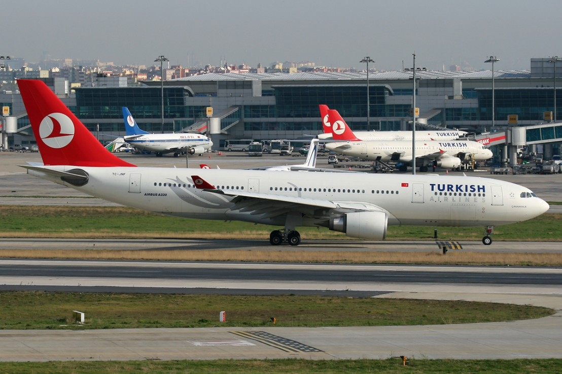 Airbus_A330-203,_Turkish_Airlines_JP6770399