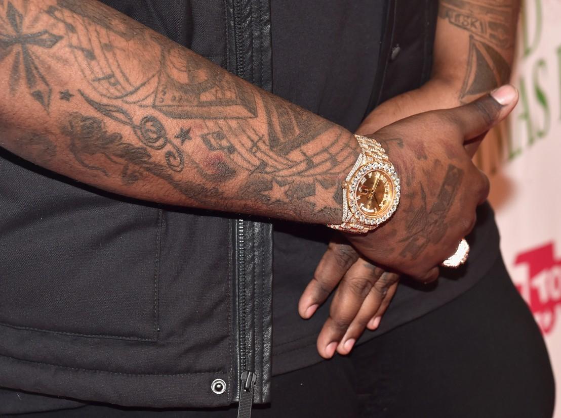бижута, татуировки
