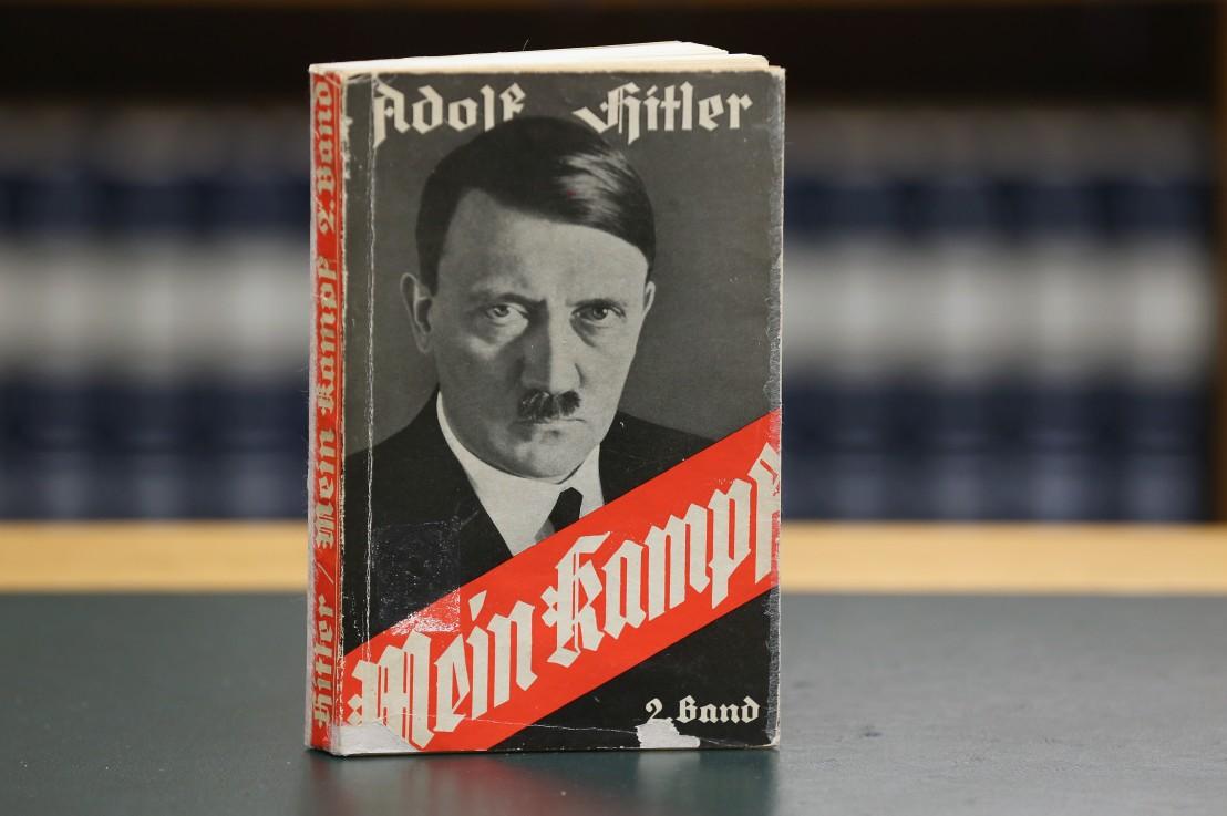 Адолф Хитлер, Моята борба