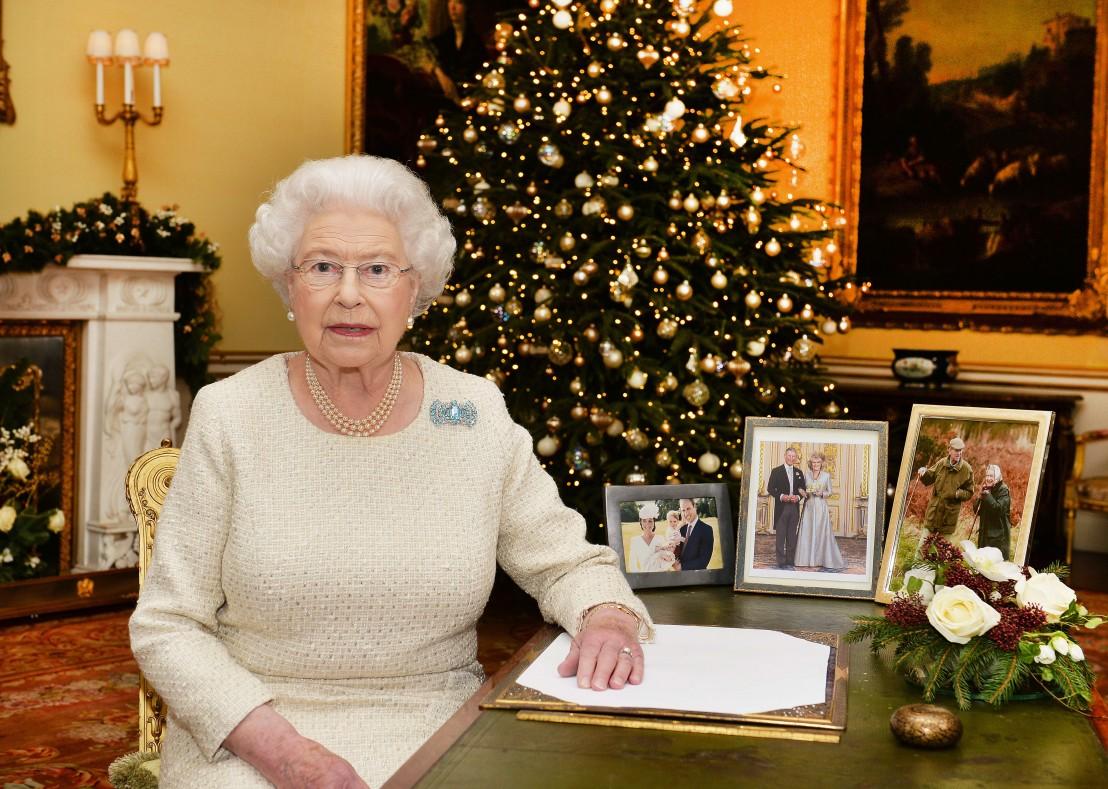Коледа, Кралица Елизабет Втора