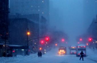 снежна буря, сняг