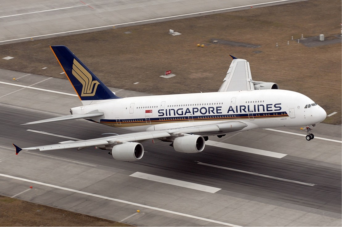 Singapore_Airlines_Airbus_A380_jpg_04