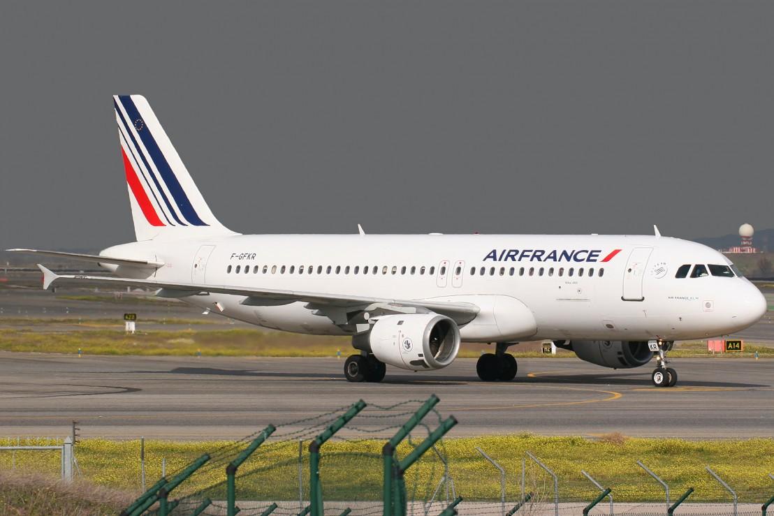 Airbus_A320-211_Air_France_F-GFKR_(8520143767)
