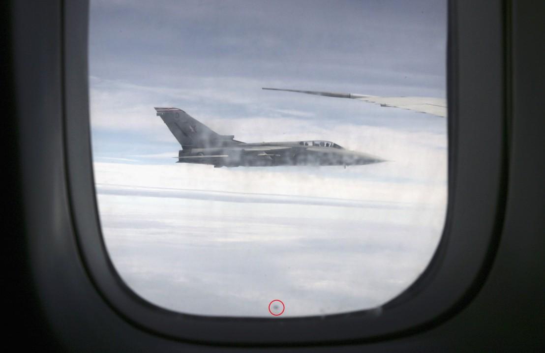 самолет, прозорец, дупка