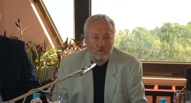 Стоян Чешмеджиев