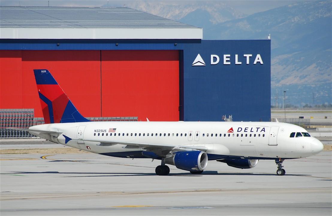 Delta_Air_Lines_Airbus_A320-211;_N325US@SLC;09.10.2011_621dn_(6300478946)
