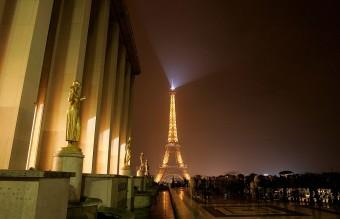 Earth Hour 2011 In Paris
