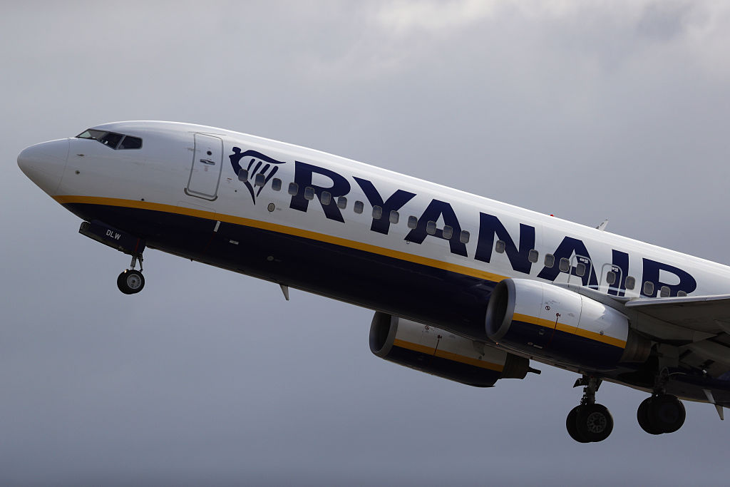 Ryanair Cut Profit Forecast After Post-Brexit Pound Plunge