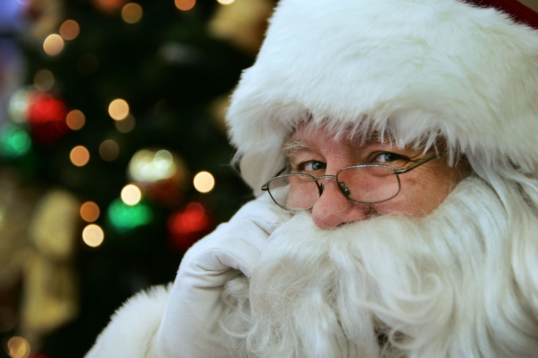 Santa Impersonators Thrive In Suburban Sydney