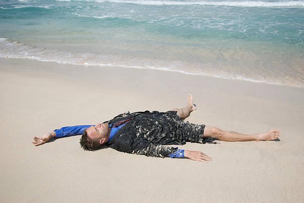 припадък, плаж, мъж