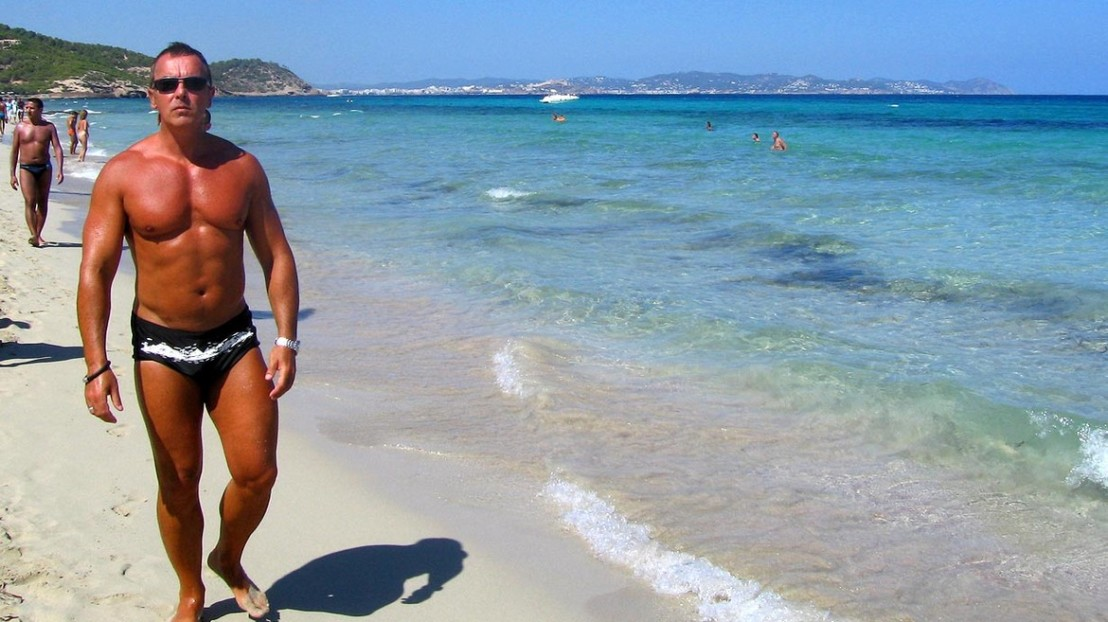 батка на плаж, мъж, мускули, чичак, чичо