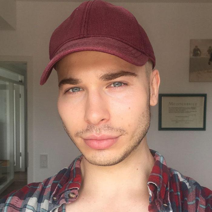 celebrity-makeup-transformations-alexis-stone-1