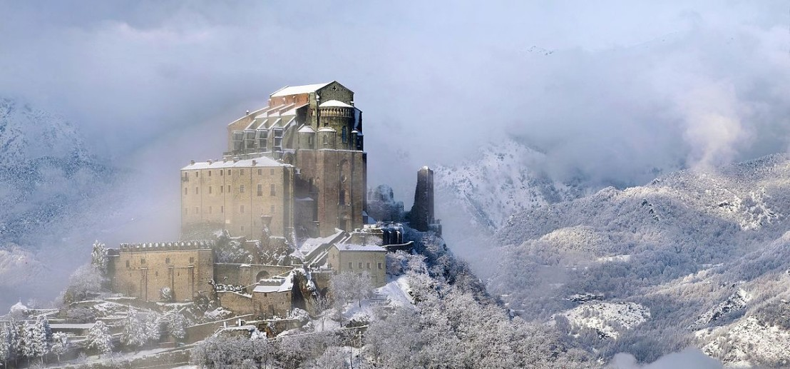 La_Sacra_ammantata_dalla_neve