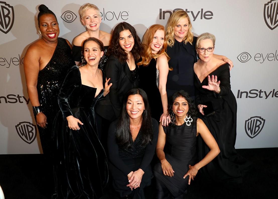 жени в черно, златни  глобуси 2018
