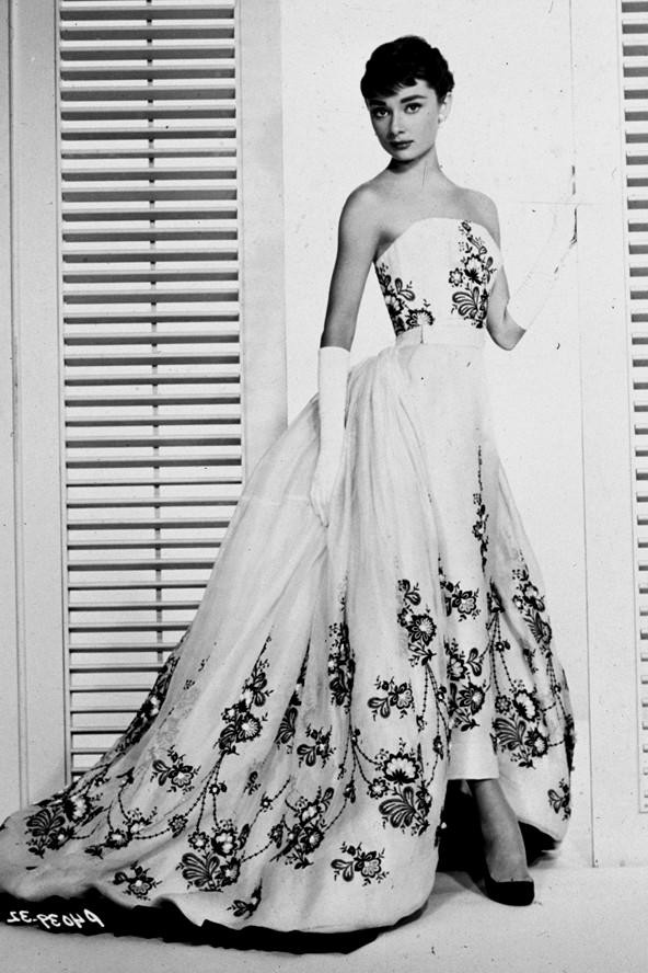 audrey-hepburn-wedding-dress-sabrina-6