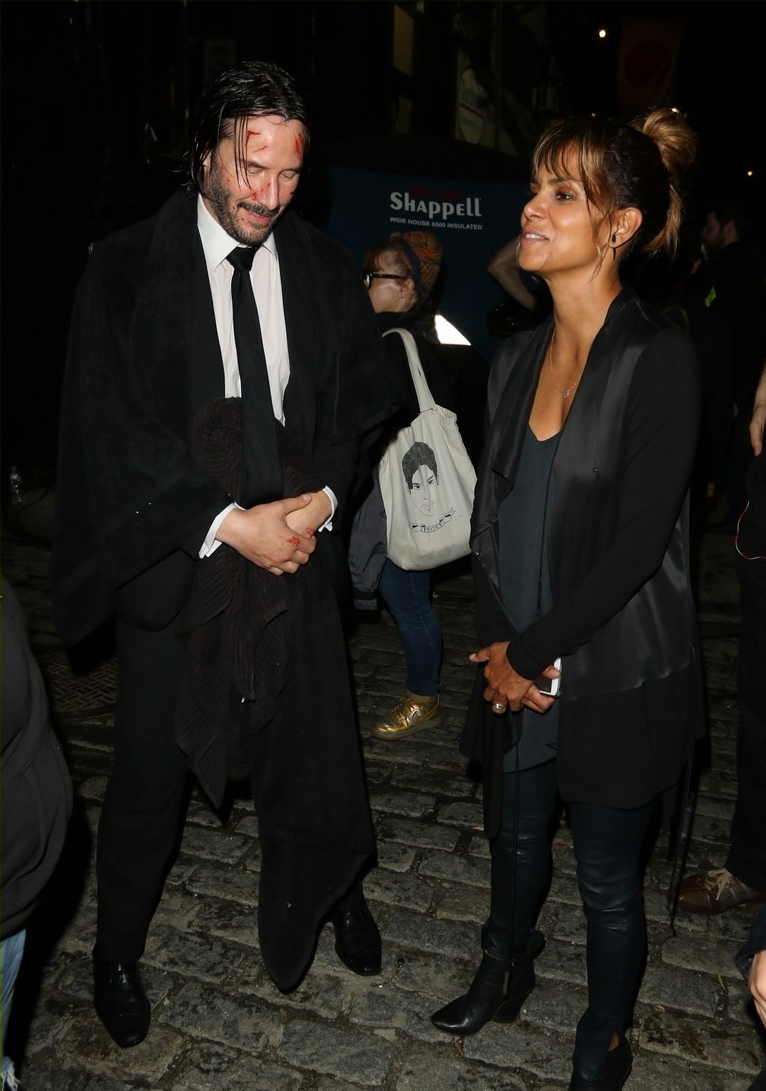 halle-berry-john-wick-set-keanu-reeves-01