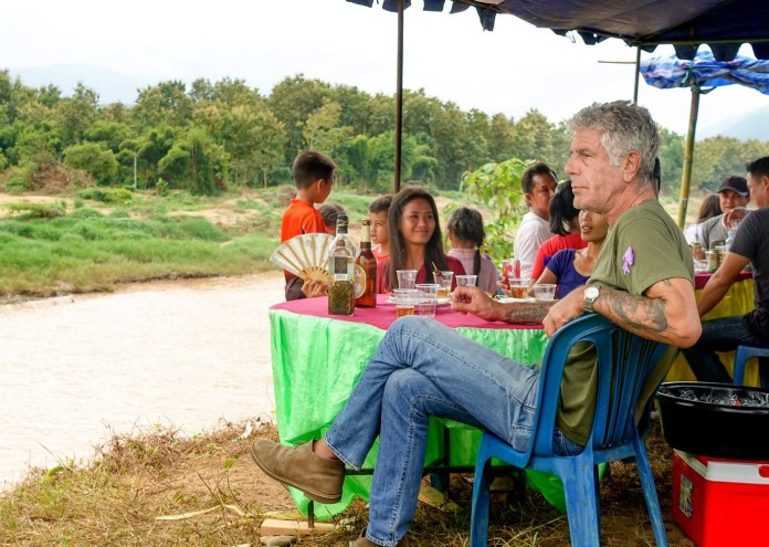 anthony-bourdain-eating-river-laos-TONYLAOS0517