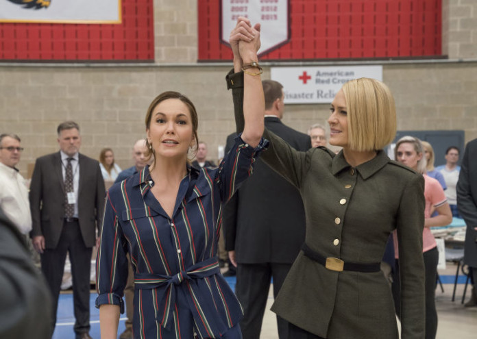 gallery-1535365411-house-of-cards-season-6-exclusive-photo-claire-underwood-robin-wright-diane-lane