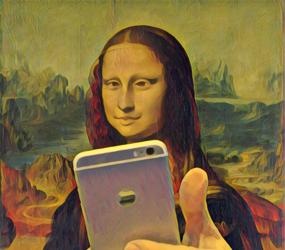 mona lisa duckface selfie
