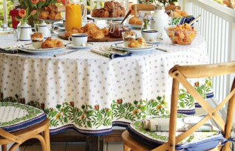 outdoor-tablecloths-round-outdoor-vinyl-tablecloth-blue-line-color-with-beatiful-motive-food-drink-flower-and-chair
