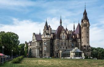 Zamek_Moszna_-_wschodnie_skrzydło