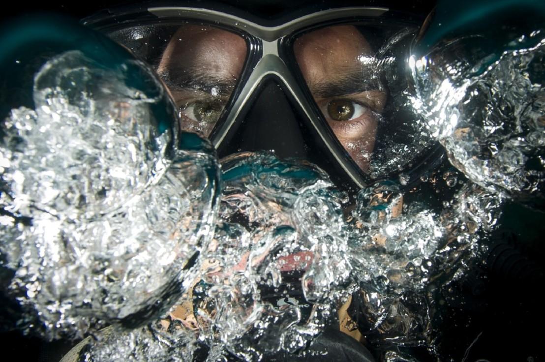 diver-scuba-underwater-ocean-37545