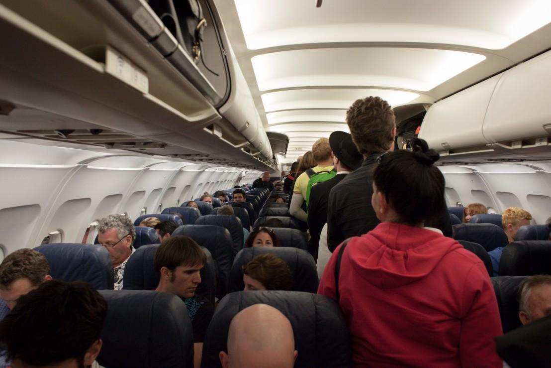 самолет, тълпа, полет, нискотарифна компания