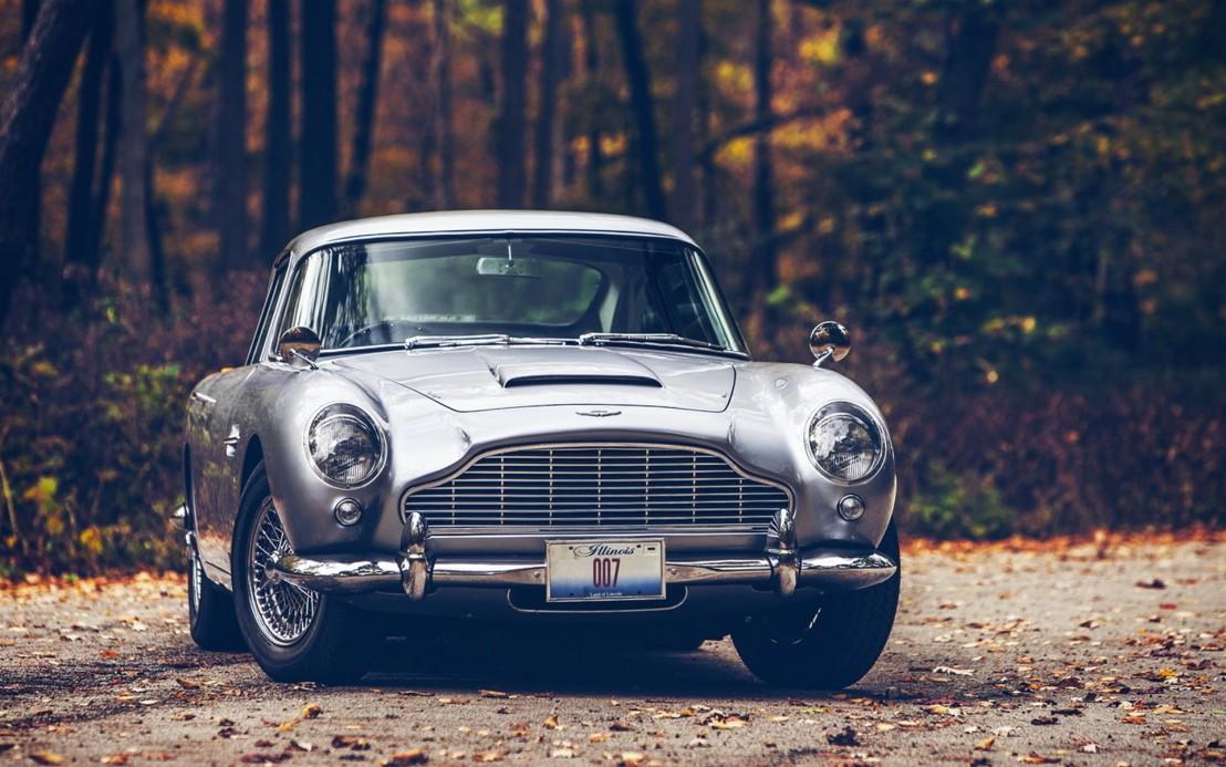 vintage-cars-aston-martin-db5-retro-cars-silver-aston-martin