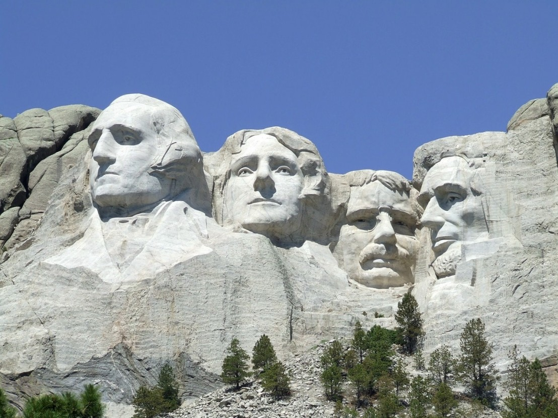 mount-rushmore-monument-landmark-scenic