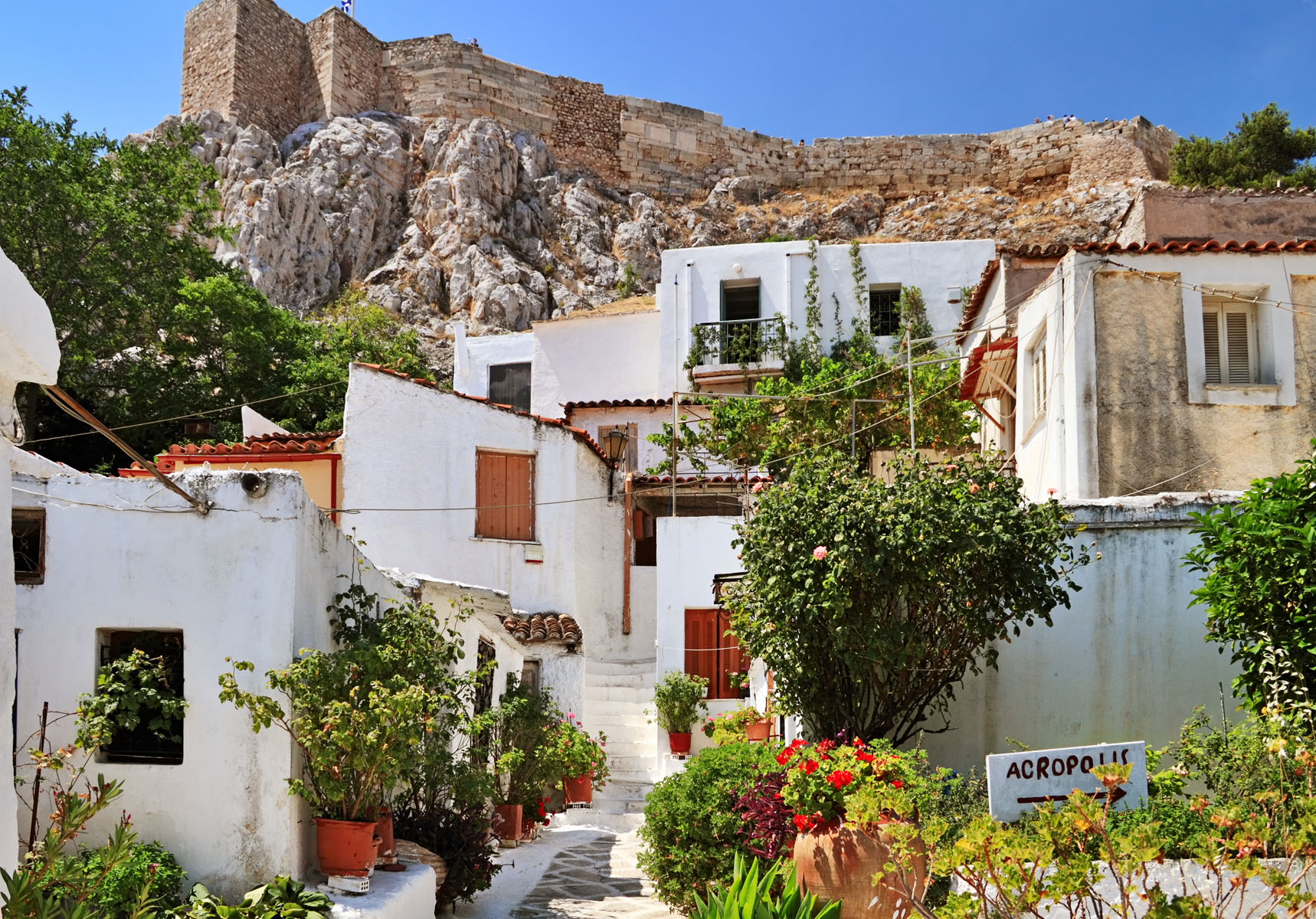 anafiotika-neighborhood-with-white-houses-under-the-acropolis