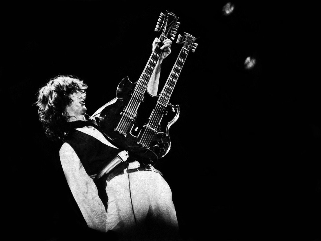 1280px-Jimmy_Page_-_A.R.M.S._Concert,_Oakland,_Ca._1983