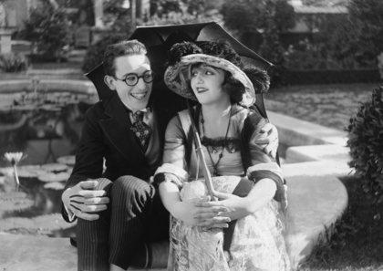 Harold Lloyd with Bebe Daniels circa 1919 ** I.V.