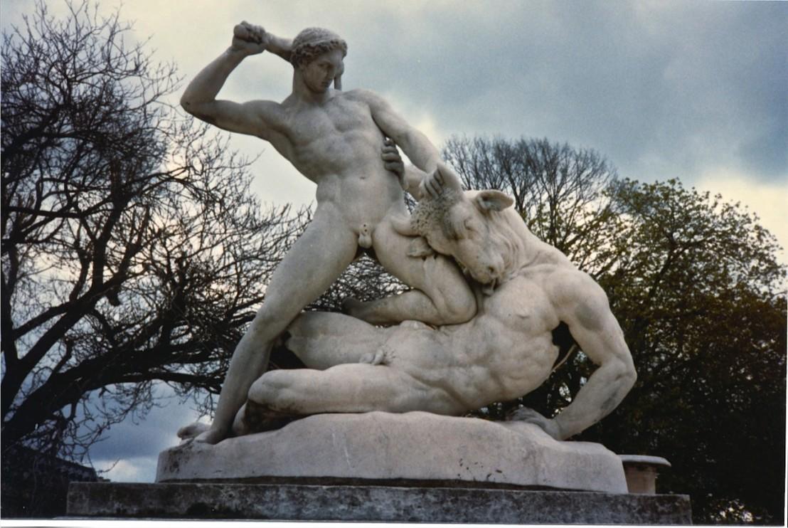 Тезей се сражава с Минотавъра