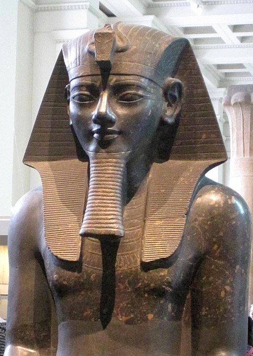 513px-Colossal_Amenhotep_III_British_Museum
