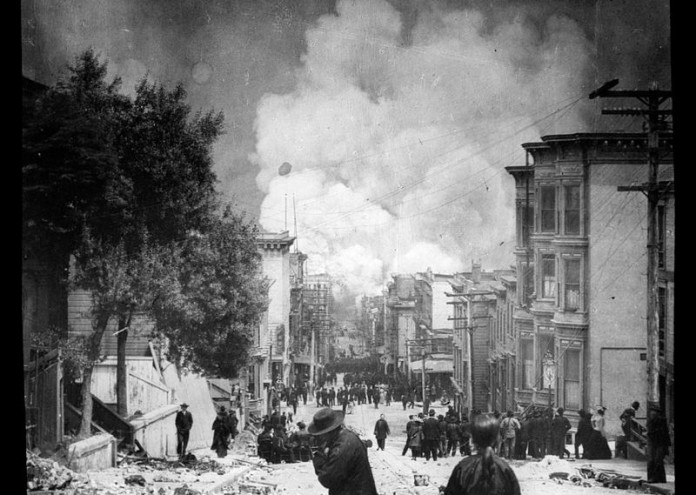 800px-Arnold_Genthe,_San_Francisco,_April_18,_1906