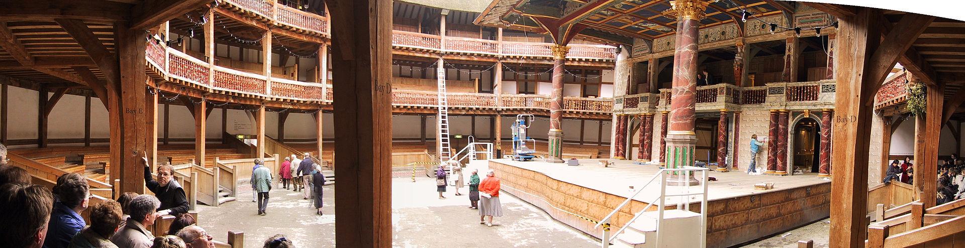 The_Globe_Theatre,_Panorama_Innenraum,_London