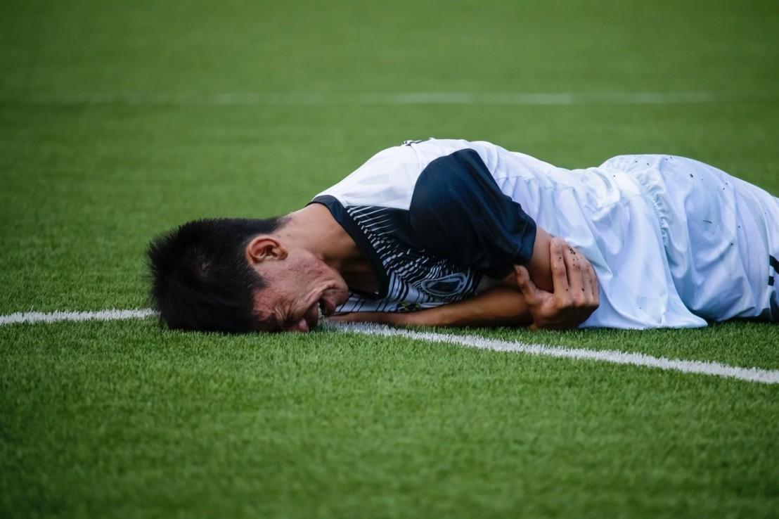 athlete-game-grass-1277396