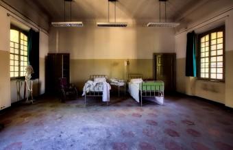 hospital-2301041_1920