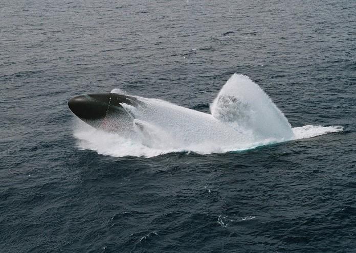 submarine-696101_1920