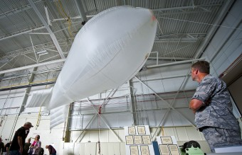 Fulton_Surface_to_Air_Recovery_System_-_balloon