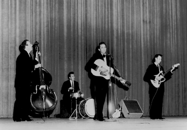 Johnny_Cash_and_The_Tennessee_Three_1963
