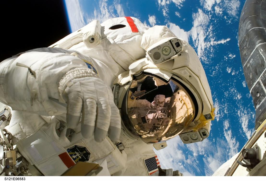 astronaut-11080_1920