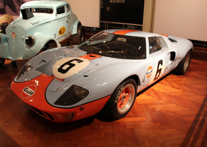1968_Ford_GT40_Mk_I_(14288662849)