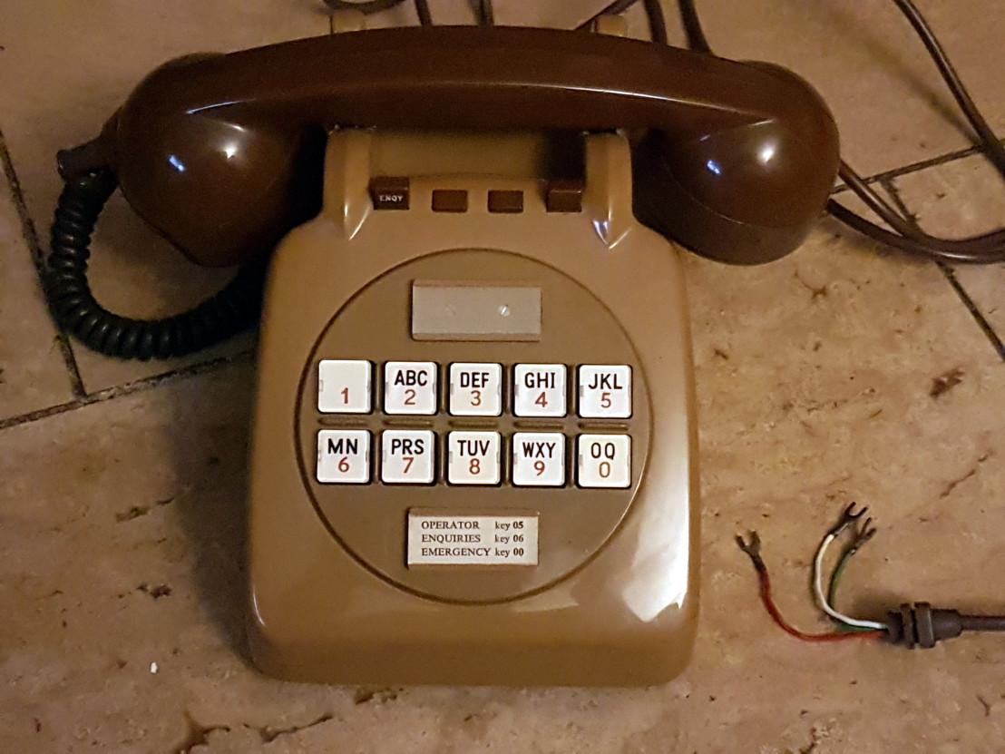 GPO_726_Phone